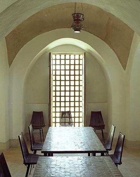 Louboutin-house-in-egypt-4