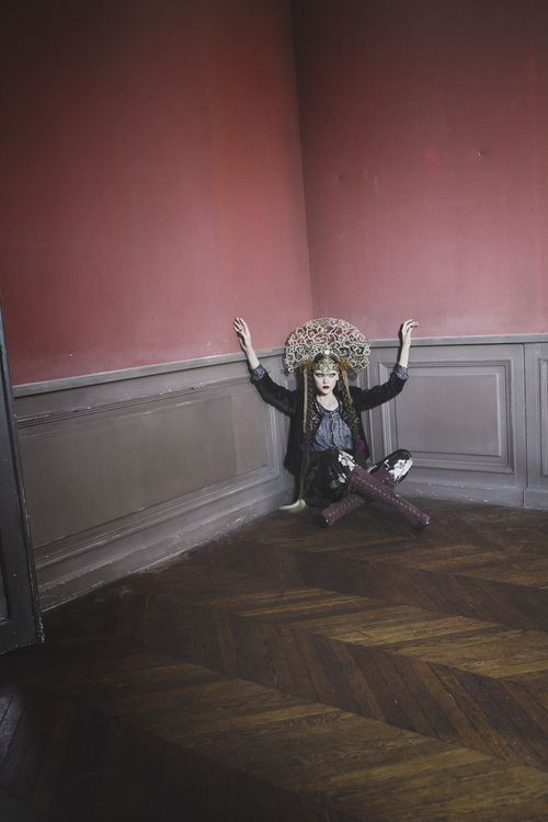 Svetlana Mukhina by C閏ile Bortoletti (L___'Ottomane - L___'Officiel Paris December 2010) 1